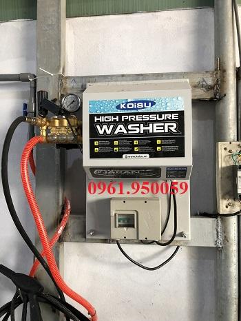 máy rửa xe cao áp treo tường