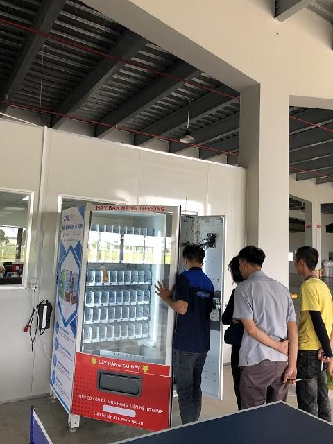 thue máy bán hàng tự động